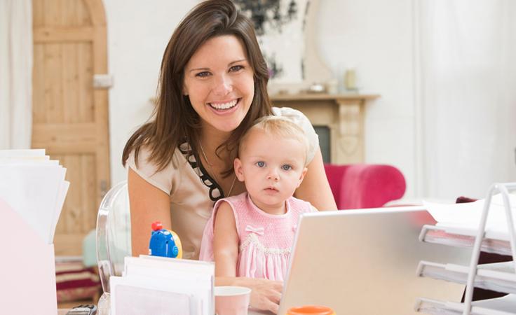 للأم العاملة: هكذا تتابعين حياتك بسلاسة ومن دون توتر