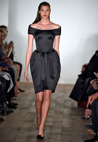 5fa233e3c أجمل فساتين السهرة ضمن أسبوع الموضة في نيويورك | نواعم