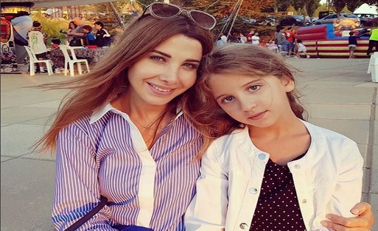 نانسي عجرم تنشر صورة حديثة مع ابنتها «ميلا».. ومتابعوها: «تشبه والدها»