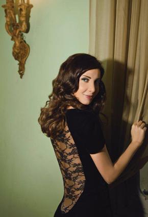3ba9d5931eddd نانسي عجرم تتألق في فستان دانتيل أسود طويل