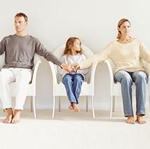 تعرية الأطفال بالعلن والاحتشام خارج المنزل، حقائق تكشف لأول مرة
