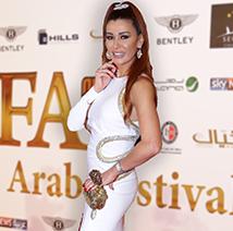 نادين الراسي تفصح عن تفاصيل خطوبتها من حب حياتها في الDIAFA
