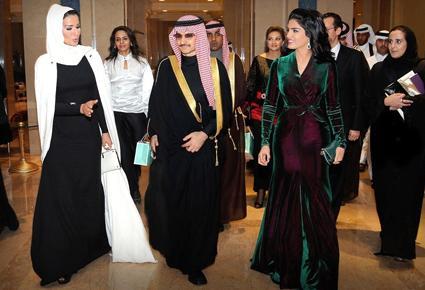 الأميرة أميرة تتألّق بفستان من توقيع نيكولا جبران