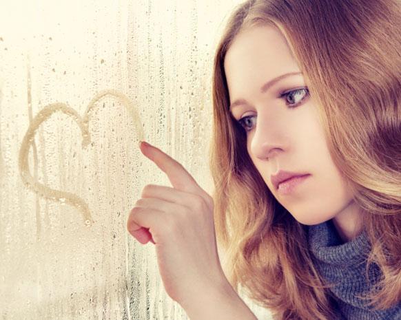 نسيان حبّك الأول تحدٍّ كبير فكيف تتخطينه؟