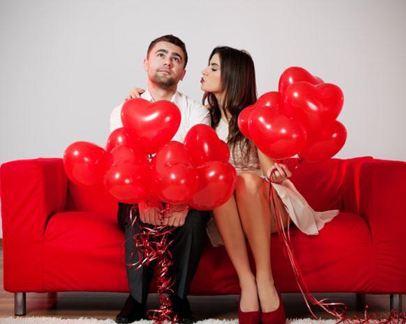 أجمل خواطر الحبّ العالمية للإهداءات الرومانسية