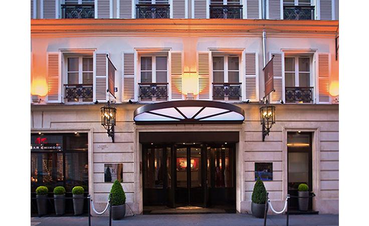 اكتشفي الترف الباريسي وأناقة السياحة في هذا الفندق