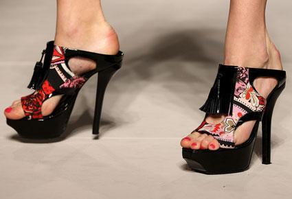 أغرب أحذية أسابيع الموضة!