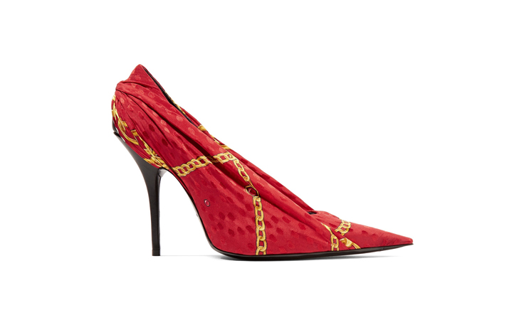 اخترنا لكِ هذا الحذاء الأنثوي من بالانسياغا