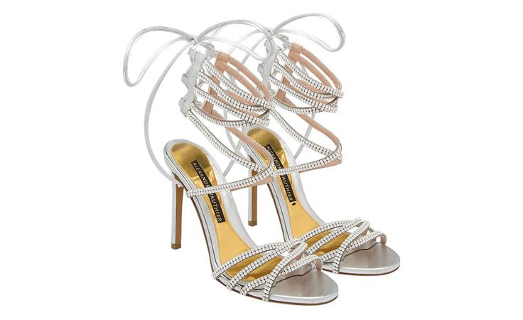 هذا هو الحذاء الذي سيناسب كل أمسياتك في موسم العطلات