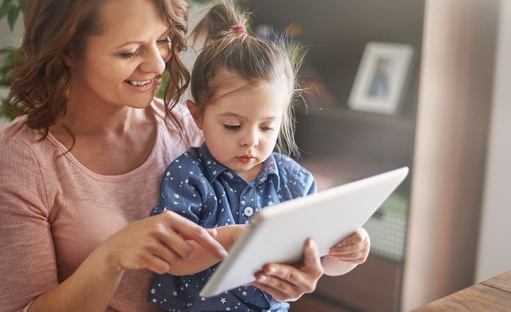 الأطفال والتكنولوجيا: 4 أمور يجب أن يبقيها الأهل في بالهم