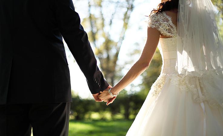 بالفيديو.. أقصر زيجة في التاريخ.. لن تصدقي كيف ردّ العريس على مزاح عروسته