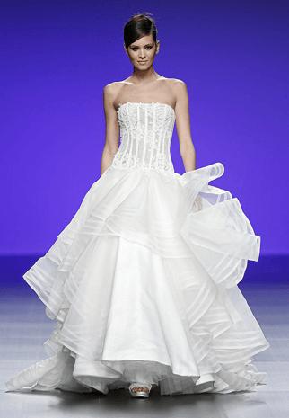 0f7d33620 أجمل فساتين زفاف أسبوع برشلونة العرائسي 2016 | نواعم