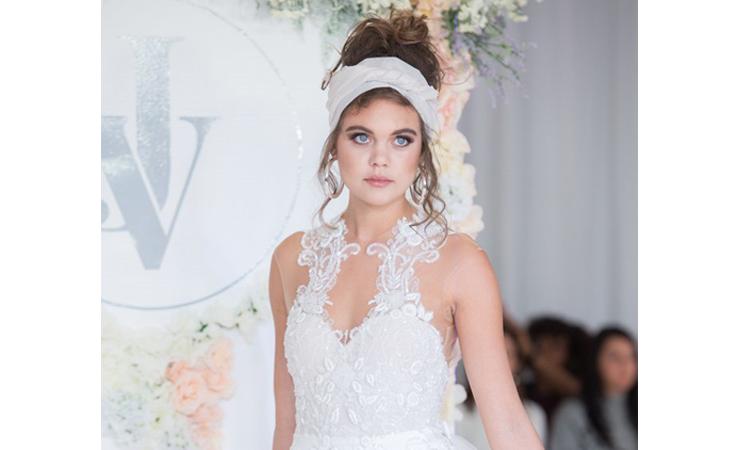 أبرز تسريحات أسبوع الموضة العرائسي وأكسسواراته لخريف 2018