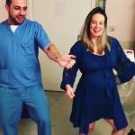 طريقة حديثة لتخفيف آلالام المخاض... الرقص!
