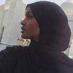 ما هو سرّ زيارة حليمة عدن إلى أبو ظبي؟