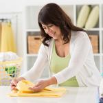 غسل الملابس وطيّها يقلّل خطر الموت المبكر لدى النساء