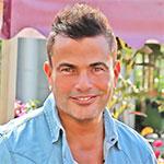 عمرو دياب يهنئ جمهوره بعيد الفطر المبارك