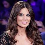 """إطلالة عادية لمنى أبو حمزة في انطلاقة """"ديو المشاهير"""""""