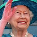 هذا هو مناكير الأظافر المفضّل لدى الملكة إليزابيث منذ عام 1989