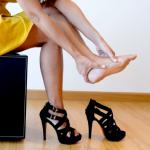 7 نصائح لاختيار الحذاء المناسب لذوات الأقدام العريضة!