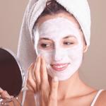 كيف تبيّضين وجهكِ طبيعيّاً؟
