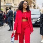 كيف ترتدين الأحمر بأناقة في موسم العطلات؟