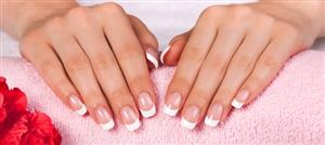 العناية اليوميّة بأظافركِ تمنح يديكِ المظهر الجذّاب