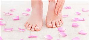 علاجات منزليّة فعّالة للتخلّص من فطريات أظافر قدميكِ