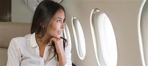 هكذا تحافظين على جمالكِ أثناء السفر في الطائرة!