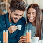 5 مؤشّرات تدلّ على أن أحدهم مهتمّ بك