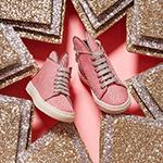 """مصممة الأحذية مينا باريكا لنواعم: """"ميني مي """" توطد العلاقة بين الفتاة والدتها"""