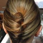 الكعكة الطويلة في تسريحة شعر قصير للمناسبات
