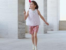 أزياء فيندي للأولاد.. أناقة ورقيّ في الخريف والشتاء